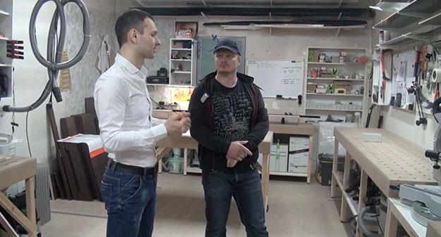 В гостях у Славян Славяныча, Часть 1, Экскурсия по мастерской